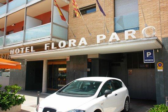 Hotel Flora Parc: Entrada del Parking
