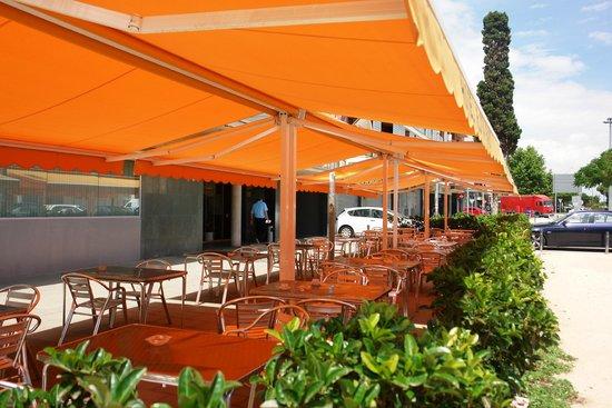 Hotel Flora Parc: Terraza exterior