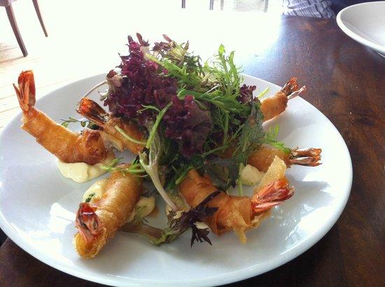 Cove Restaurant & Bar: Tempura prawns