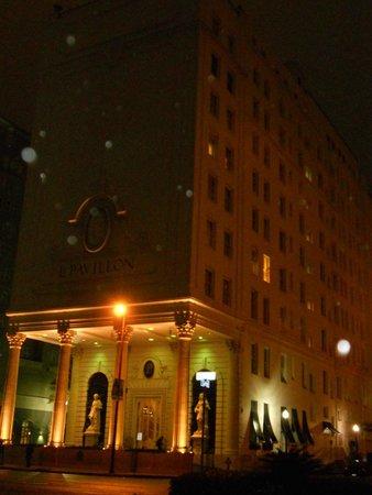 Le Pavillon Hotel : exterior
