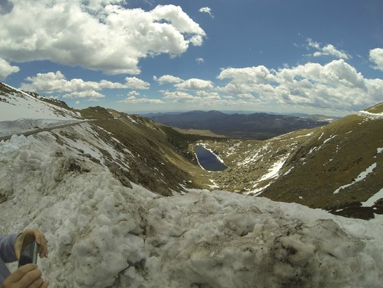 Mount Evans : Lake about halfway up.