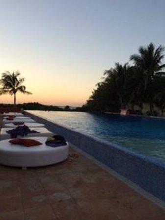 Grand Oasis Sens: Sunset Pool VIP