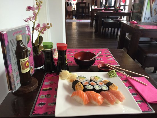 Sushibar Geisha: Lunchoffer large with soup and tea