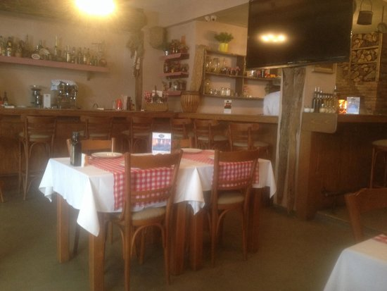 Appetito Trattoria: Inside the restaurant