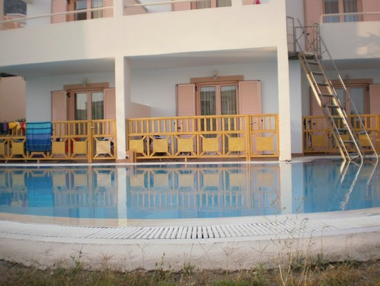 Mitsis Family Village Beach Hotel: le family rooms