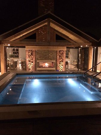 Moddershall Oaks Country Spa Retreat: New Outdoor Spa Area