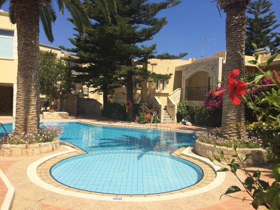 Kastalia Village & Saint Nikolas Hotel: Piscina piccola