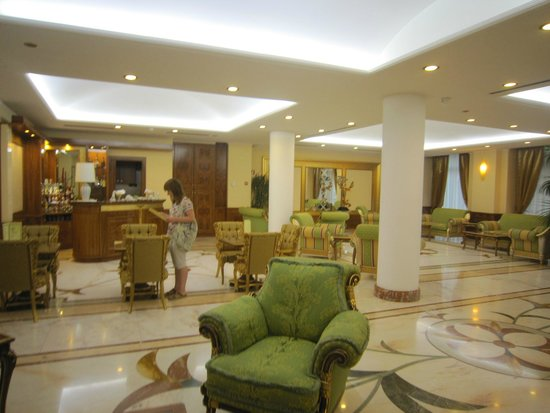 Marconi Hotel: Ресепшен