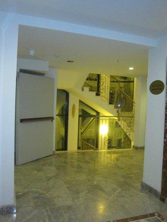 Marconi Hotel: Отель