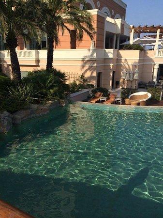 Monte-Carlo Bay & Resort: pool side
