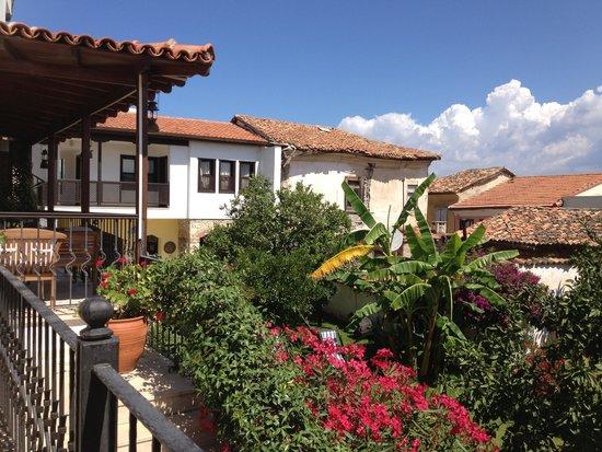 Villa Konak Hotel Kusadasi: vu de la ville depuis notre chambre