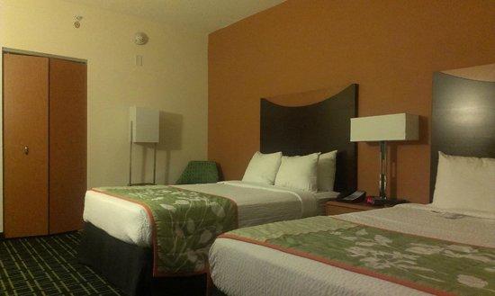 Fairfield Inn & Suites Raleigh-Durham Airport/Brier Creek: Beds
