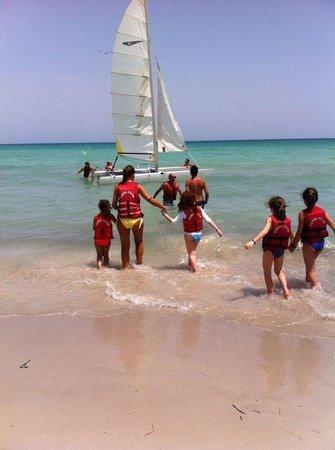 Yadis Djerba Golf Thalasso & Spa: Uscita in barca a vela