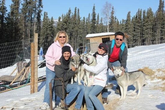 Sirius Sled Dogs & Aurora Tours: Kelly family enjoys the dogs!