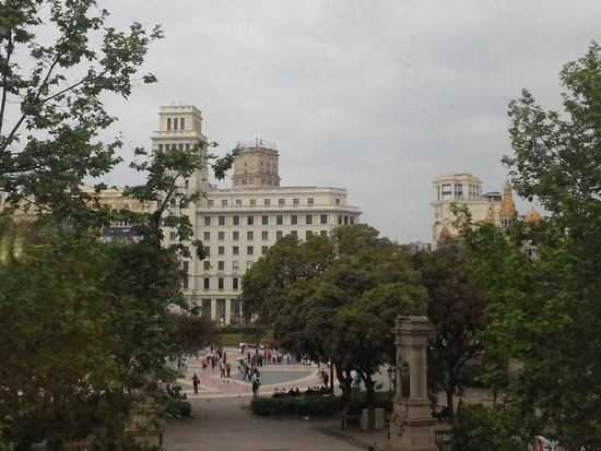 Hotel Olivia Plaza: vista da Pça Catalunha - qto 208