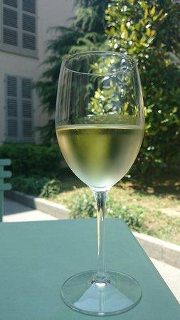 Caffetteria Mazzetti: A glass of Traminer