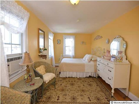The Inn at Ocean Grove: The Angelica Room
