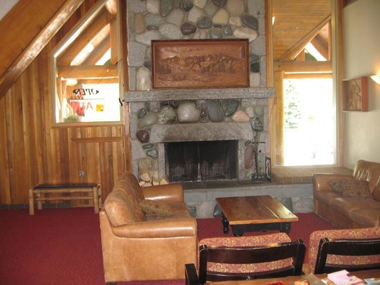 Manning Park Resort: Interior Lodge