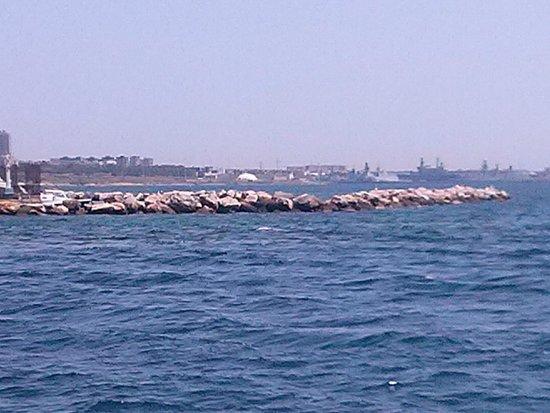 vista da castello aragonese Taranto