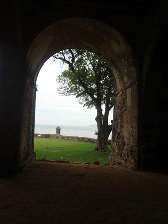 Santa Cruz de Anhatomirim Fortress : Vista de dentro da forteleza
