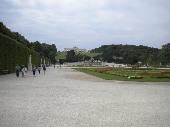 Schonbrunner Gardens: Vista do Gloriete