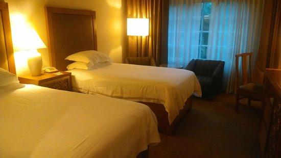 Hotel Yak & Yeti: Room in old wing