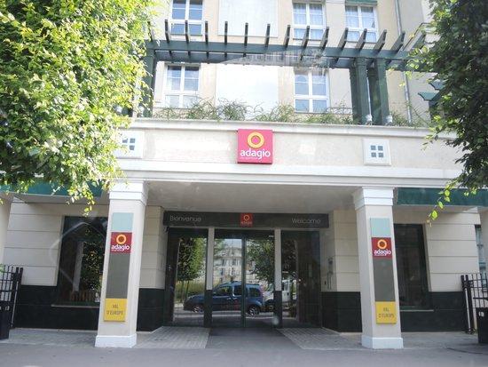 Adagio Aparthotel Val d'Europe : Вход