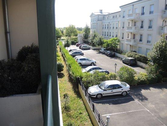 Adagio Aparthotel Val d'Europe : вид из окна
