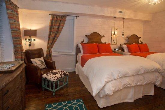The White Birch Inn: The Persimmon Room