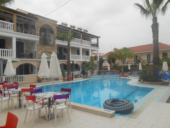 Zante Plaza Hotel & Apartments: Hotel Pool