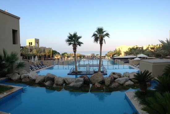 Holiday Inn Resort Dead Sea: Expansive compound