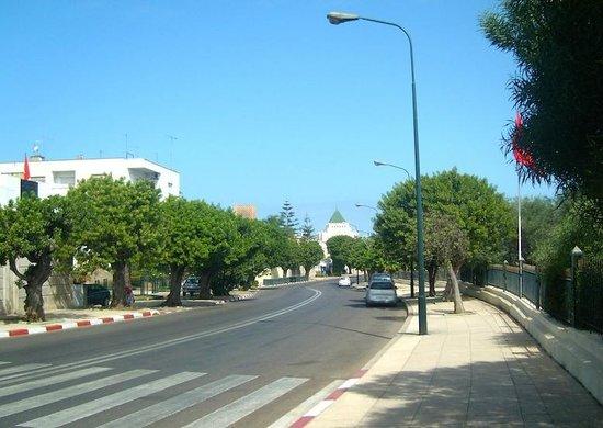 Hassan Tower: Av Lyazidi