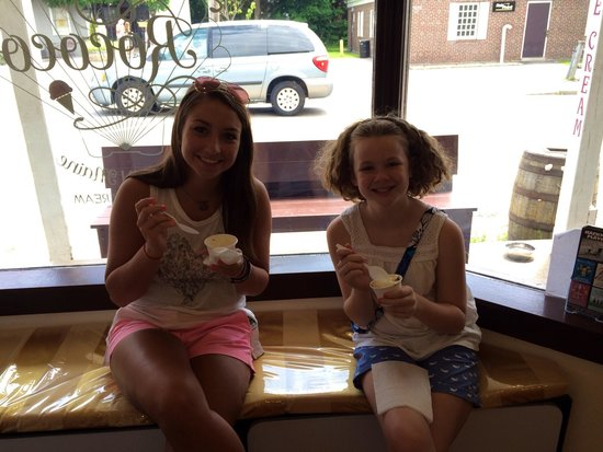 Rococo Artisan Ice Cream: Tate and Katie
