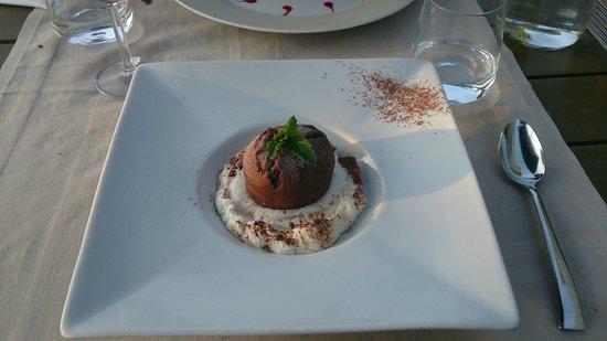 Le Clos de la Broncais: fondant chocolat, coeur pistache