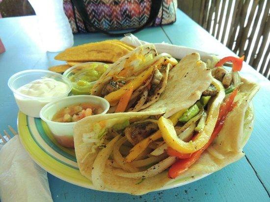 Monkey Island Beach Cafe: Quick service, average food