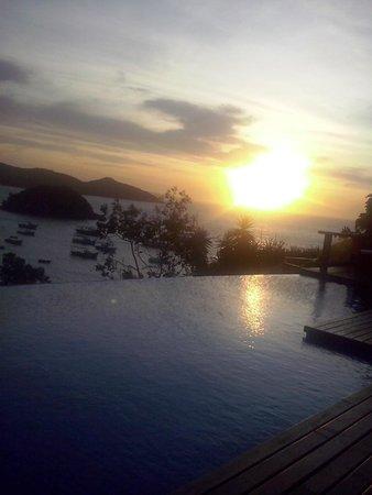 Abracadabra Pousada: A piscina é um ótimo lugar paga acompanhar o por do sol de Búzios.