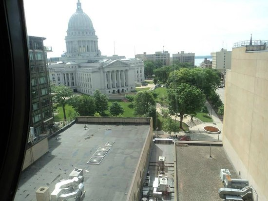 Madison Concourse Hotel and Governor's Club: View from Governor's Lounge