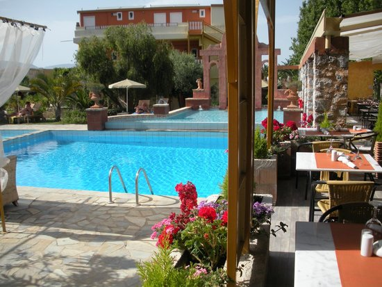 Orpheas Resort: resto/piscine