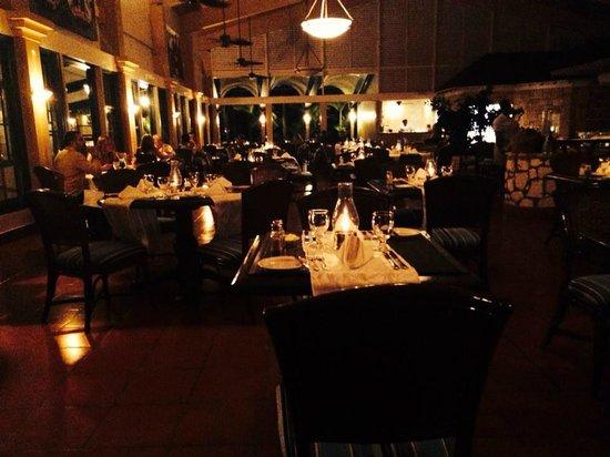 St. James's Club & Villas: The Rainbow Garden for dinner