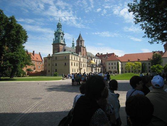 BEST WESTERN PREMIER Krakow Hotel: dentro do recinto do castelo real/Carcovia