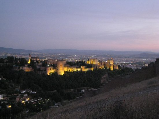 Play Granada: Alhambra from Sacromonte