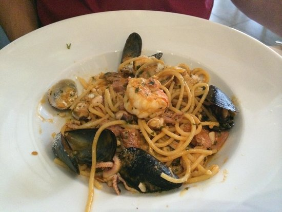 Al Borgo: Seafood spaghetti (di mare). Sooo good!