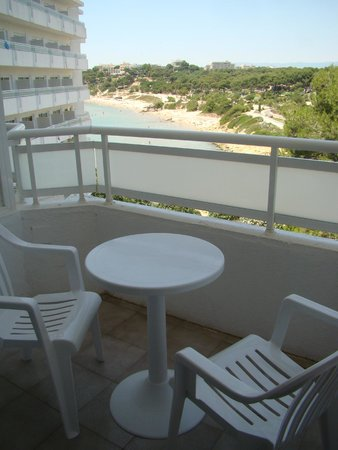 Hotel Best Negresco: balcon avec vue de la plage et pinède