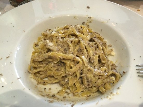 Al Borgo: Not on the menu. Truffle oil and cheese pasta. Absolutely Delish!! Just ask the waiter for it.