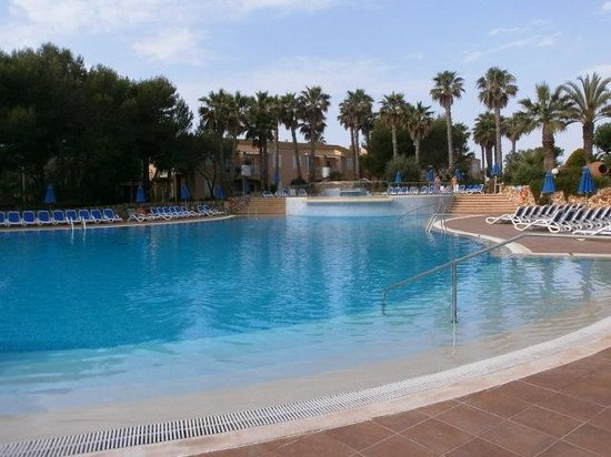 Hotel Apartamentos Princesa Playa: Swimming pool