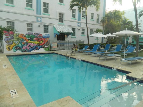 The Park Central: Piscina