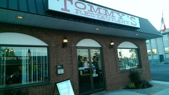 Tommy's Restaurant: Entrance