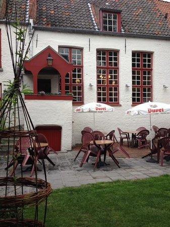 Herberg Vlissinghe: the garden of the Café Vlissinghe.