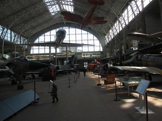 Musée royal de l'armée et de l'histoire militaire : Ala con gli aerei