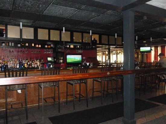 Guiseppe's Grille: The Bar